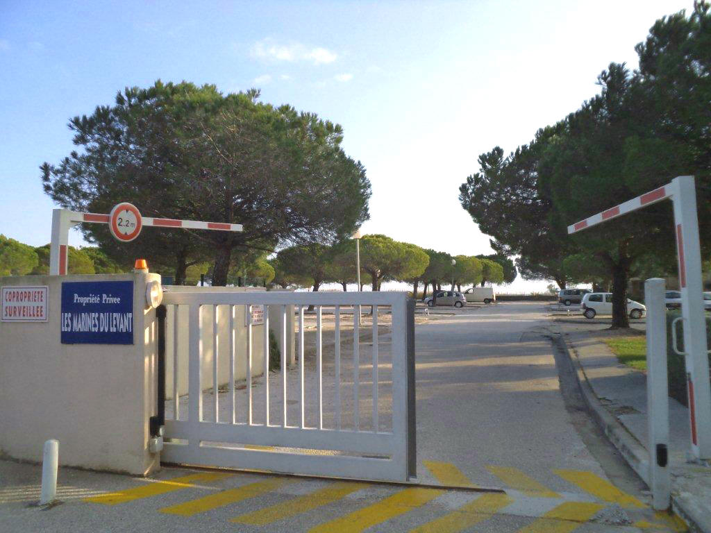 Les Marines du Levant parking privé Hyères
