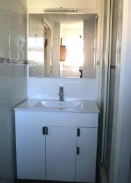 Appartement location hyeres salle de bains